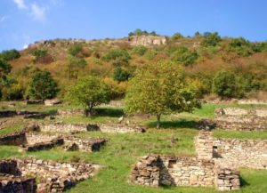 Средновековна крепост Хоталич
